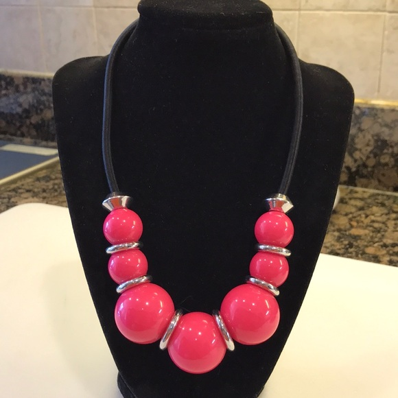 4/$25 H&M Hot Pink Beaded Statement Necklace